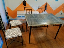 Table & chairs in Duncan, Oklahoma