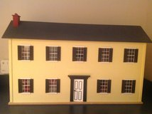 Colonial doll house in Glendale Heights, Illinois