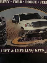 Lift and leveling kit in Clarksville, Tennessee
