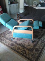 Reclining medical chair with wheels in Alamogordo, New Mexico