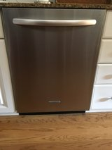 Stainless Steel Dishwasher in Glendale Heights, Illinois