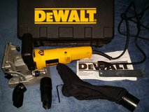 Dewalt 682K Plate Joiner Kit in Beaufort, South Carolina