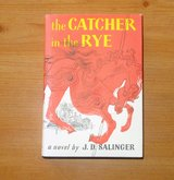 VINTAGE CATCHER IN THE RYE BOOK  SALINGER W/ DUSTCOVER 1979 EXCELLENT in 29 Palms, California