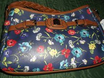 rosetti  navy floral  vinyl  hobo hand bag in Alamogordo, New Mexico