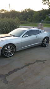 22 inch wheels with tires 5x120 came off camaro in Warner Robins, Georgia