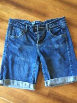 Mossimo Shorts Size 4 in Fort Drum, New York