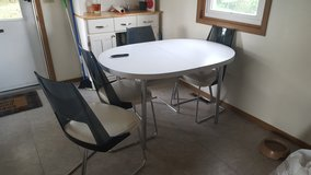 Vintage kitchen table and chairs set in Fort Leonard Wood, Missouri