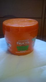 garnier fructis damage eraser in Lockport, Illinois