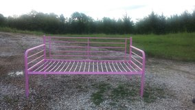 2 pink daybeds in Fort Leonard Wood, Missouri