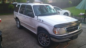 98 ford explorer in Fort Campbell, Kentucky