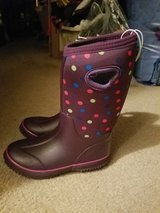 Winter boots size 1 girls new in Naperville, Illinois