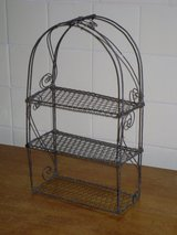 "small wire shelves 14""x8"" in Oswego, Illinois"