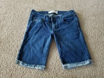 Juniors Hollister Jean shorts size 3 in Naperville, Illinois