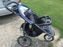 Graco single jogging stroller in Fort Campbell, Kentucky