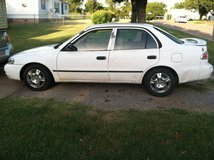 Clean and clear title 1998 toyota carolla ve in Lawton, Oklahoma