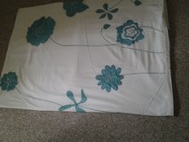 king size duvet cover.with 2 pillow cases in Lakenheath, UK