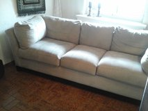 3 Seater, Beige, Suede Couch in Baumholder, GE