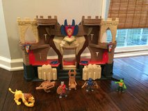 Imaginext Knights' Castle w/ Figurines in Camp Lejeune, North Carolina
