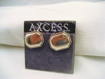 NWT Axcess Silver Tone Oval Rectangle Stud Post Dainty Cute Fashion Earrings in Kingwood, Texas
