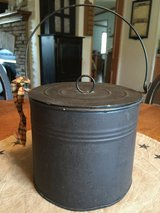 Tin Pail w/Lid & Handle in Chicago, Illinois