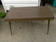 Vintage 1950 formica top coffee table with steel legs excellent condition in Kankakee, Illinois