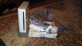 Wii white w/ 3 games, remote, num chuck, & power cords in Fort Riley, Kansas