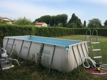 Pool w/pump 1yr old in Vicenza, Italy