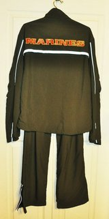 MARINE CORPS RUNNING/PT JOGGING SUIT SIZE SMALL REG. in Beaufort, South Carolina