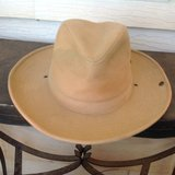 Hat with side snaps in Alamogordo, New Mexico