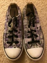 Girls Converse size 4 in Naperville, Illinois