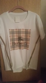 Burberry women size M in Yorkville, Illinois