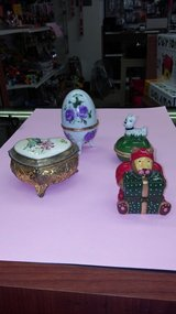 Vintage Trinket box, collectible boxes in Yucca Valley, California