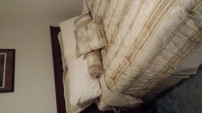 Queen Bed Set in Tyndall AFB, Florida