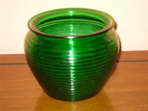 nat'l potteries green glass vase in Glendale Heights, Illinois