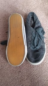 Boy shoes size 1M in Lockport, Illinois