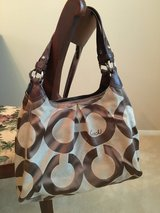 Authentic COACH Large OP Art Maggie 13894 brown khaki Purse Bag Tote in Batavia, Illinois