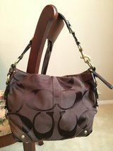 COACH Signature Hobo Bag - Dark Brown Chocolate - 10619 - Gold Tone Hardware Purse Tote Bag in Naperville, Illinois