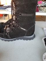 Skechers boots size 7 and a half in Fort Irwin, California