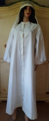 Women's Linen Night Dress Hand Made Late 1800's in Tinley Park, Illinois