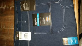 New dickies Mens pants in St. Charles, Illinois