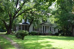 1860 Historic Home, 3,000sq,ft, 4BR, 3BA, 5 fireplaces! in Camp Lejeune, North Carolina
