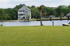 Jacksonville's Best Kept Secret!       201 Laguna Lane in Camp Lejeune, North Carolina