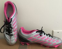 Girls soccer cleats size 7.5 Umbro in Quantico, Virginia