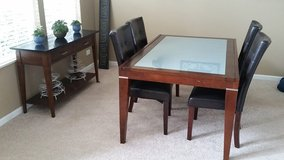 Dining Table in Naperville, Illinois