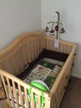 Crib that converts to toddler bed in Belleville, Illinois
