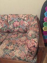 Cargo style couch/floral print in Kingwood, Texas