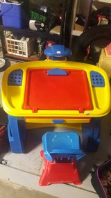 Kids desk with chair in Lawton, Oklahoma