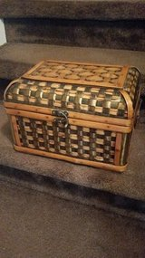 Pier 1 / Large / Wicker Jewelry Chest in Fort Campbell, Kentucky