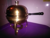 Fondue pot, serving dish with cover in Joliet, Illinois