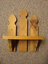 Wooden Shelf in Glendale Heights, Illinois